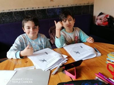 Учим у дома - Дени и Ради от 2 клас - ОУ Отец Паисий - град Варна